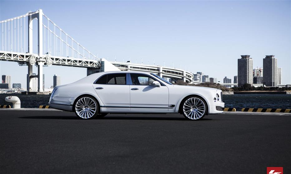 Color Matching LZ-722 on 2013 Bentley Mulsanne