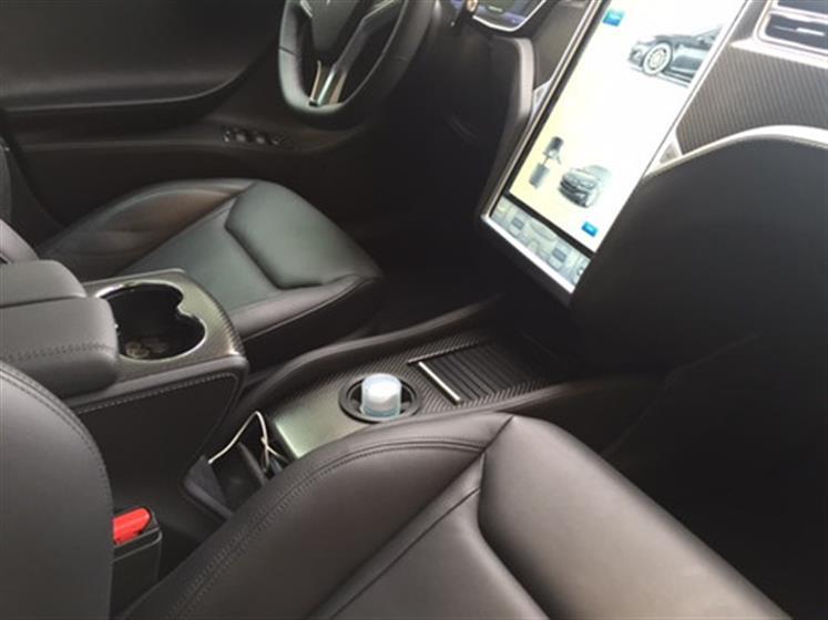 Gilles' Black Tesla Model S