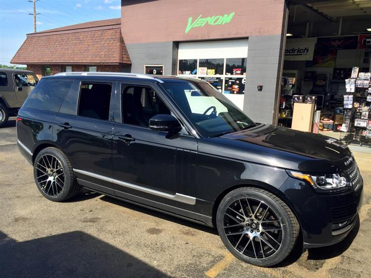 Range Rover on 22's