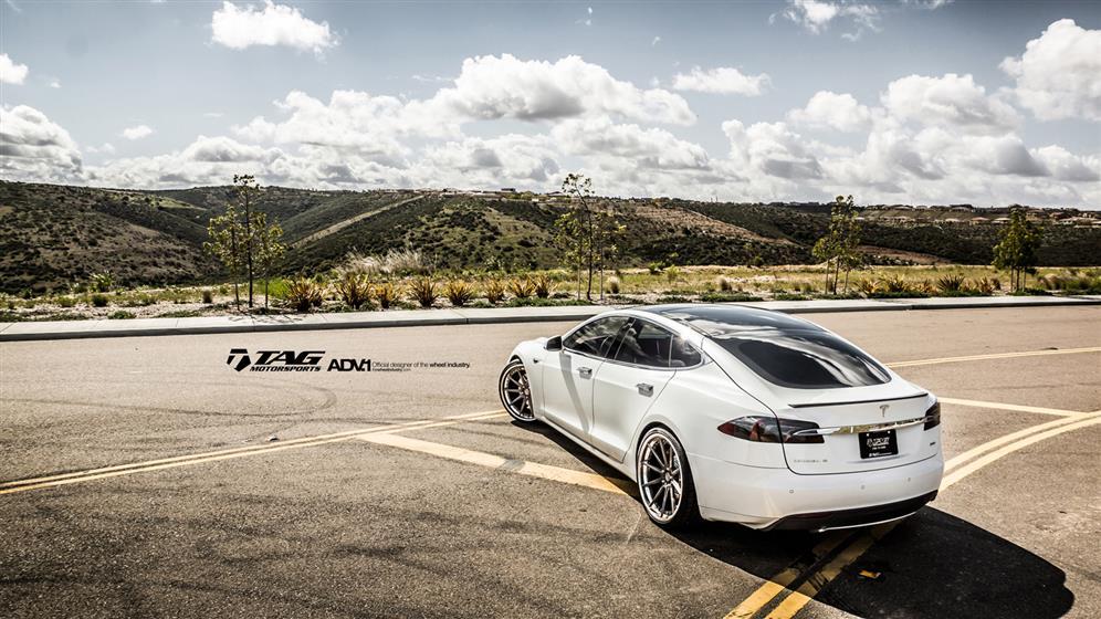 Tesla Model S With ADV10TSSL Wheels