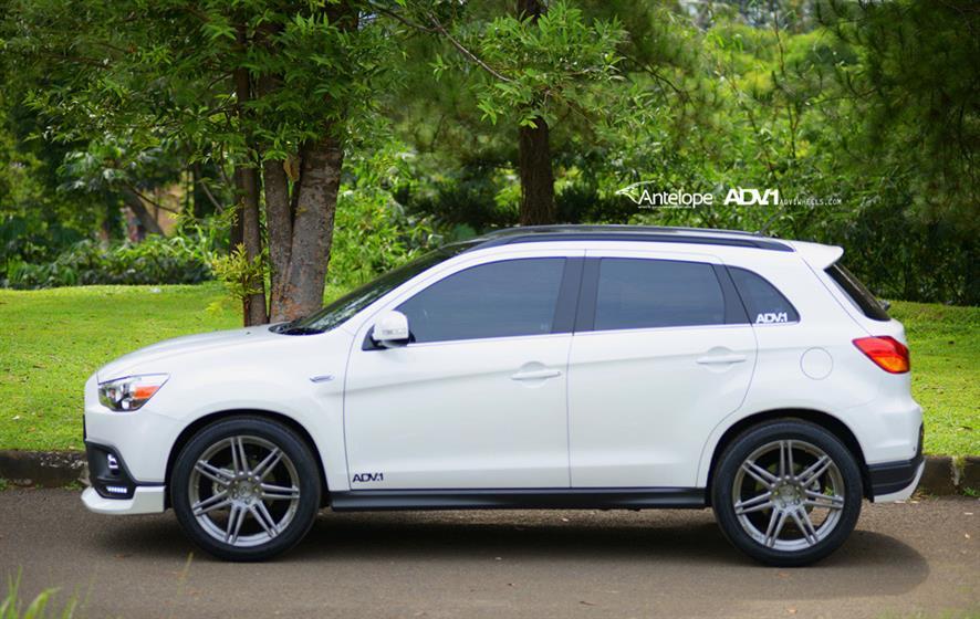 Mitsubishi Outlander With ADV07.1 Wheels