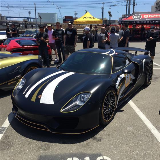 Black Porsche 918
