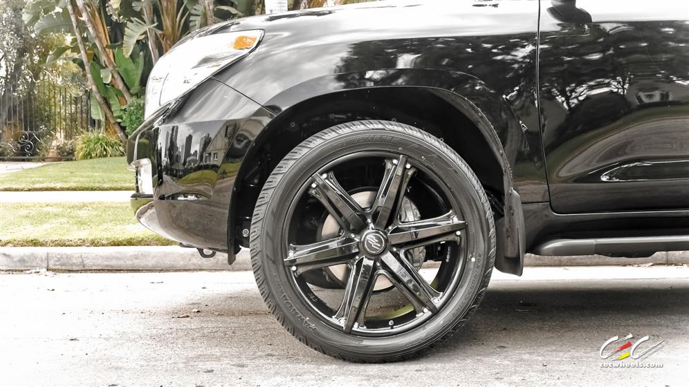 Toyota Land Cruiser with Custom Wheels