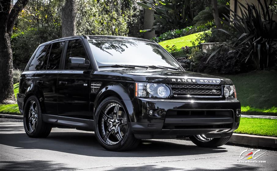 Land Rover Range Rover Sport with Custom Wheels