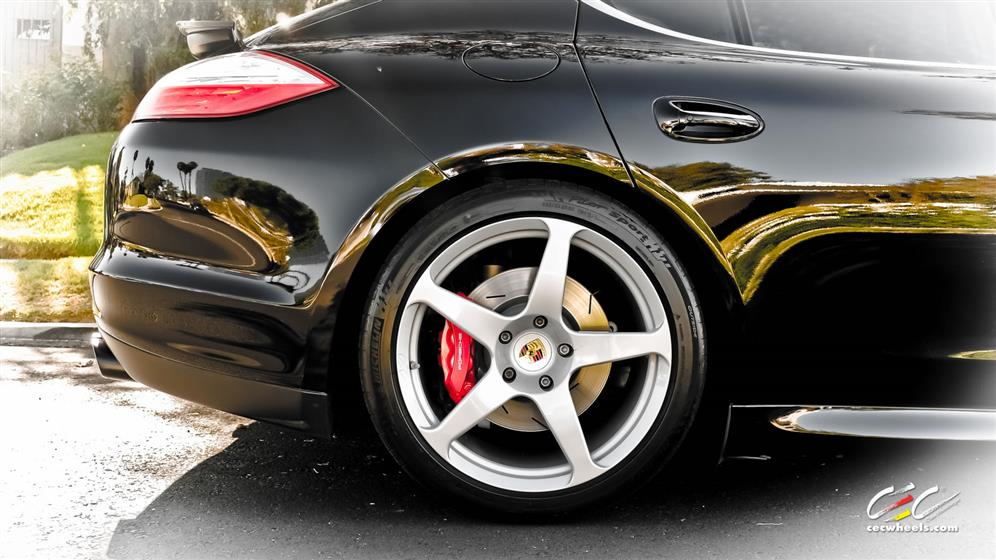 Porsche Panamera Turbo with Custom Wheels