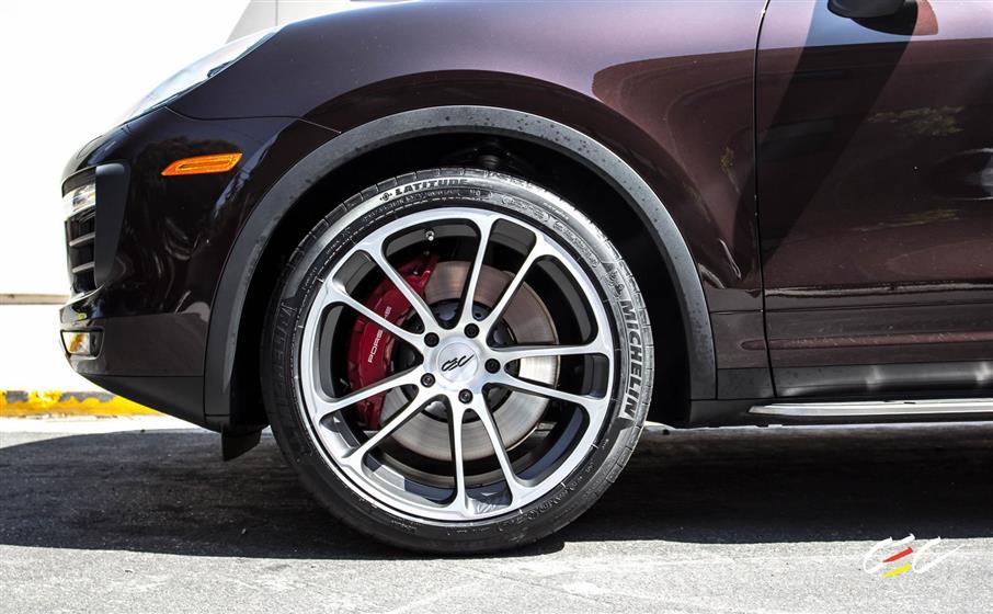 Porsche Cayenne Turbo with Custom Wheels