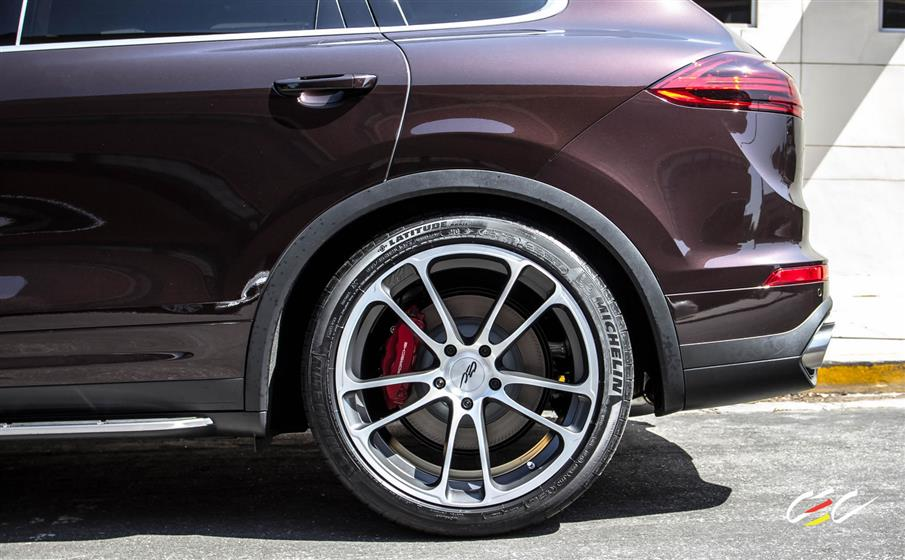 Porsche Cayenne Turbo with Custom Wheels