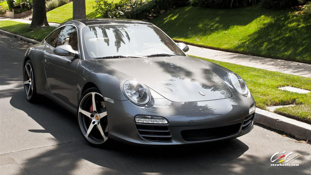 Porsche 911 Targa 4S with Custom Wheels