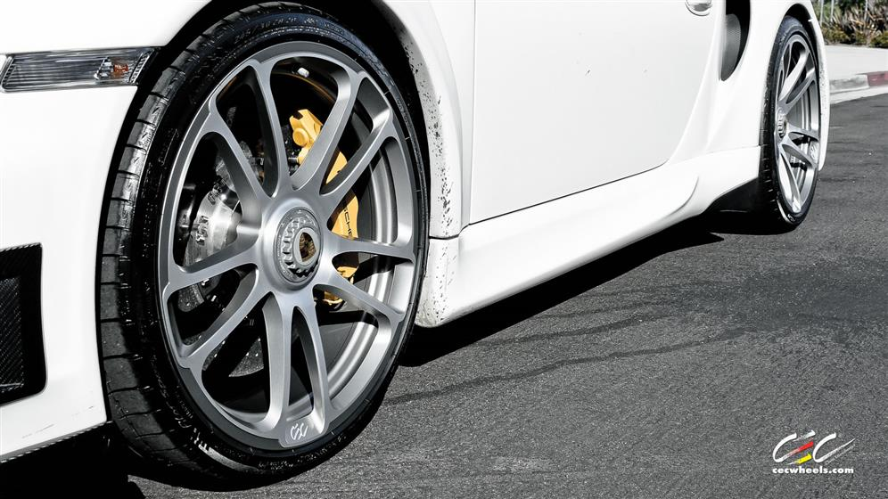 Porsche 911 Turbo S Cabriolet with Custom Wheels