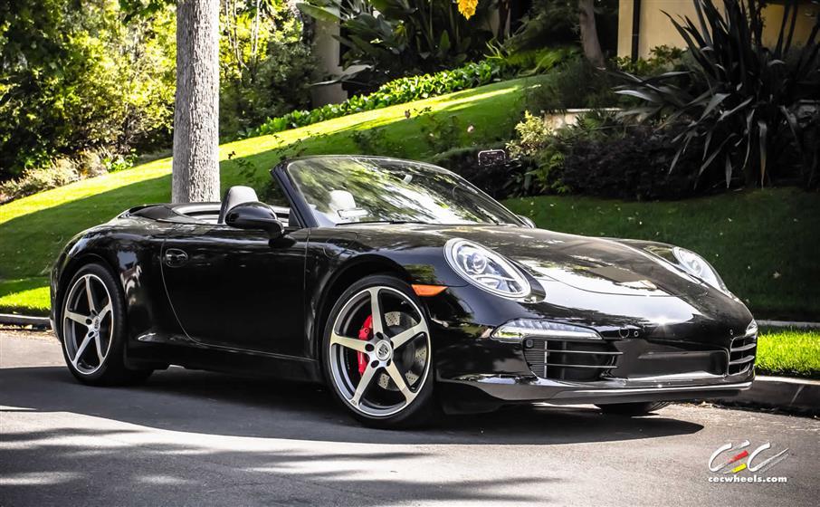 Porsche 911 Carrera S Cabriolet with Custom Wheels
