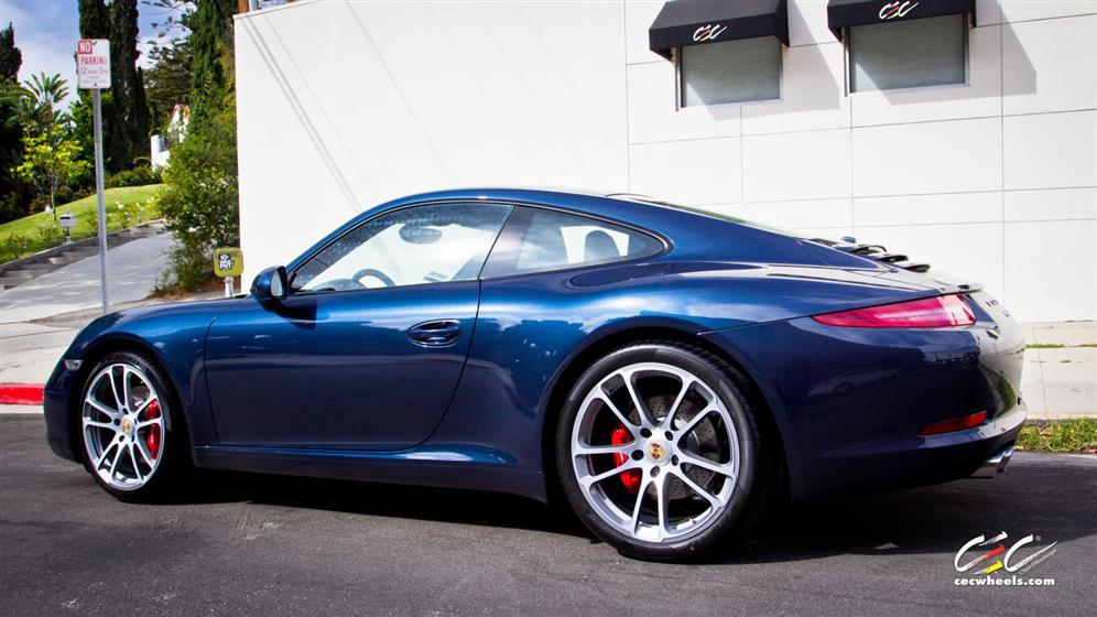 Porsche 911 Carrera S with Custom Wheels