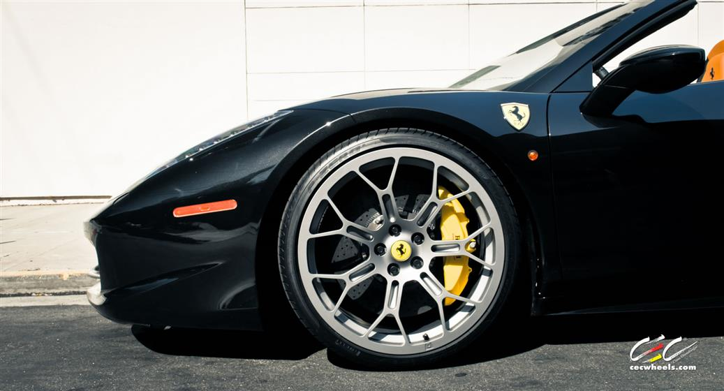 Ferrari 458 Spider with Custom Wheels