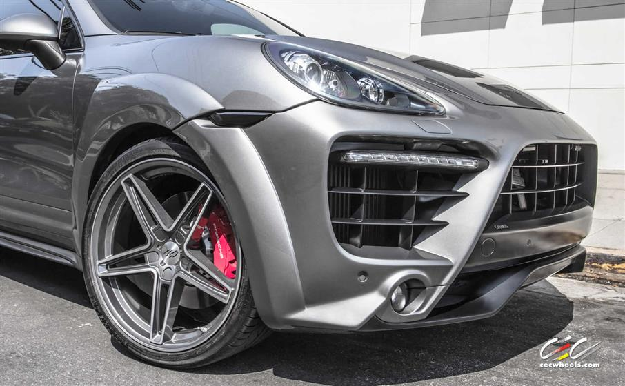 Caractere Exclusive Porsche Cayenne Turbo with Custom Whee