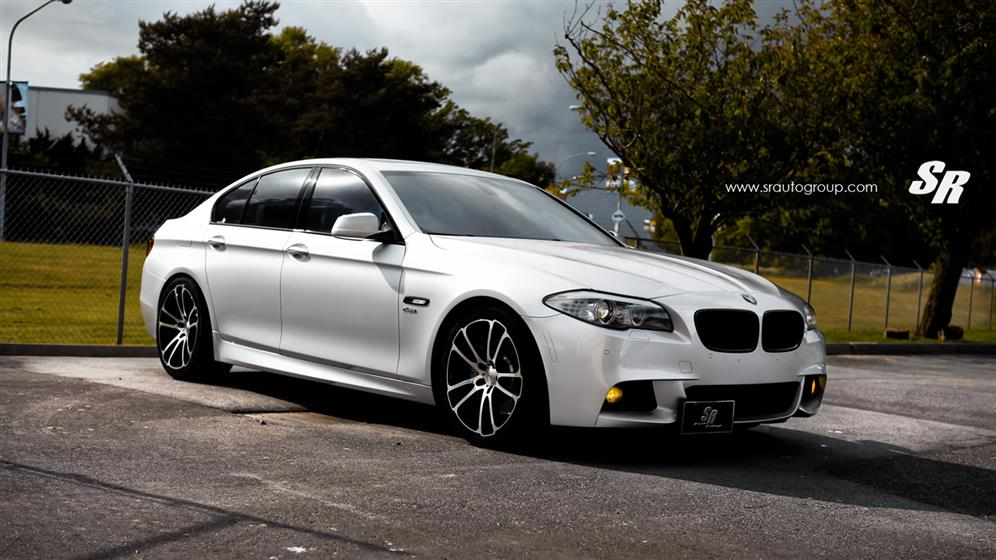 BMW 535xi with Custom Wheels