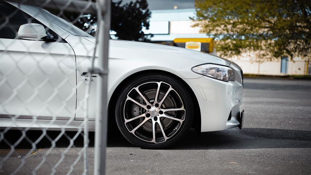 BMW 535xi with Custom Wheels