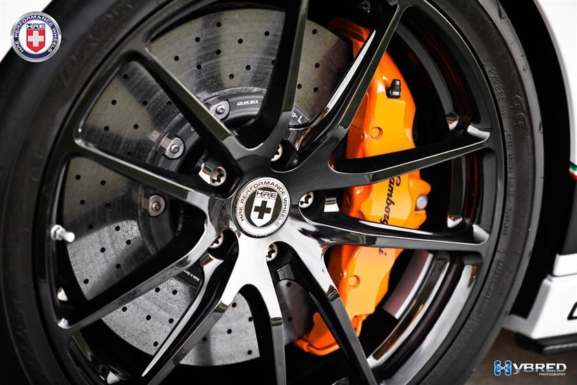 Lamborghini Gallardo with HRE P104 Wheels