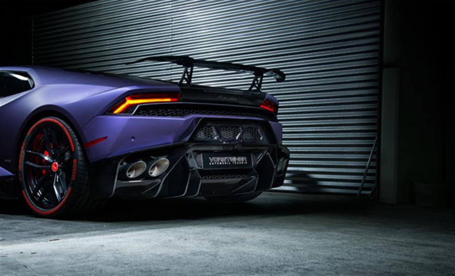 Booth 46199 - Lamborghini Huracan