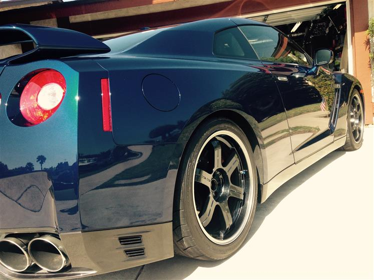 Rinseless Washed Black Nissan GT-R