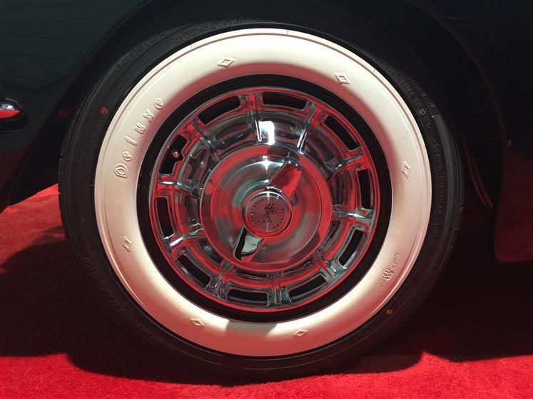 Booth 48189 - 1960 Corvette Restomod