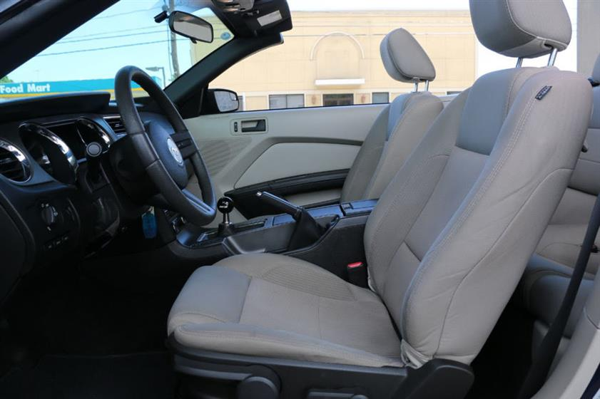 2011 Ford Mustang GT Convertible $25,995