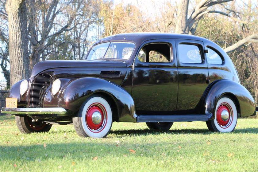 1939 Ford Deluxe $33,495