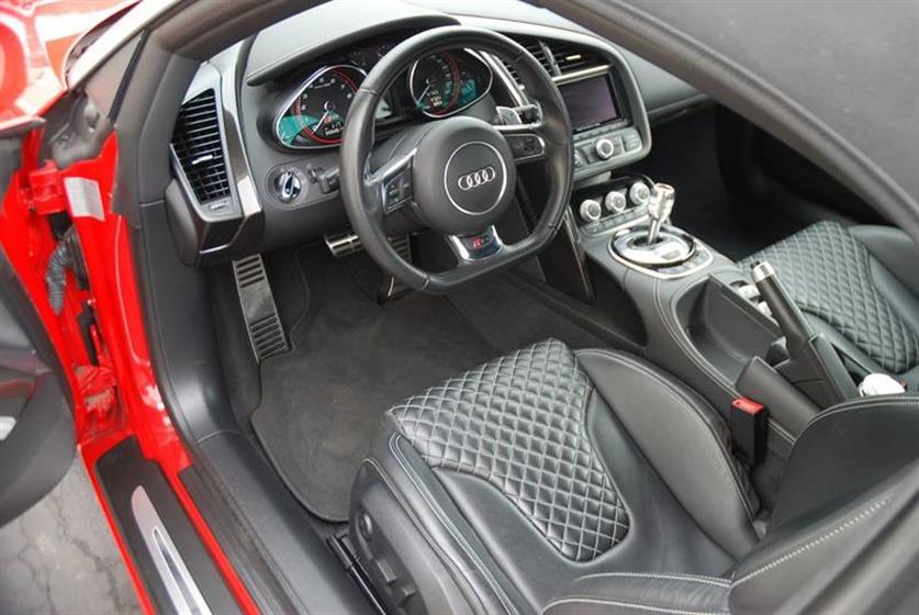 2014 Audi R8 AWD 5.2 quattro Spyder $131,900