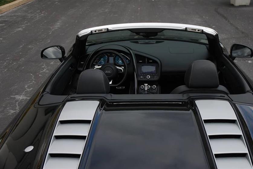 2011 Audi R8 AWD 5.2 quattro Spyder 2dr 104,900