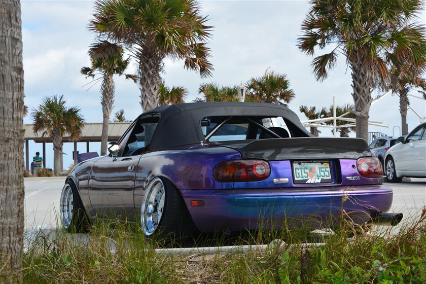 1990 Mazda Miata wrapped chameleon blue