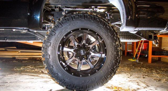 2015 Ford F-350 Platinum Edition $48,500