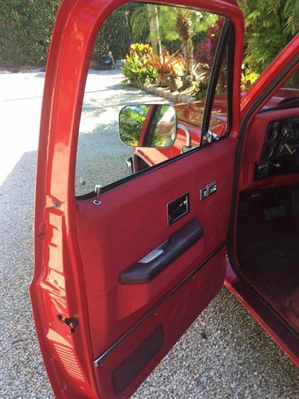 1985 Chevrolet C-10 Silverado Shortbed Fleetside $