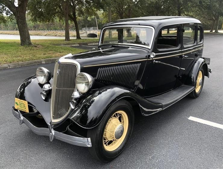 1934 Ford 4 door Sedan Deluxe $42,500 Negotiable