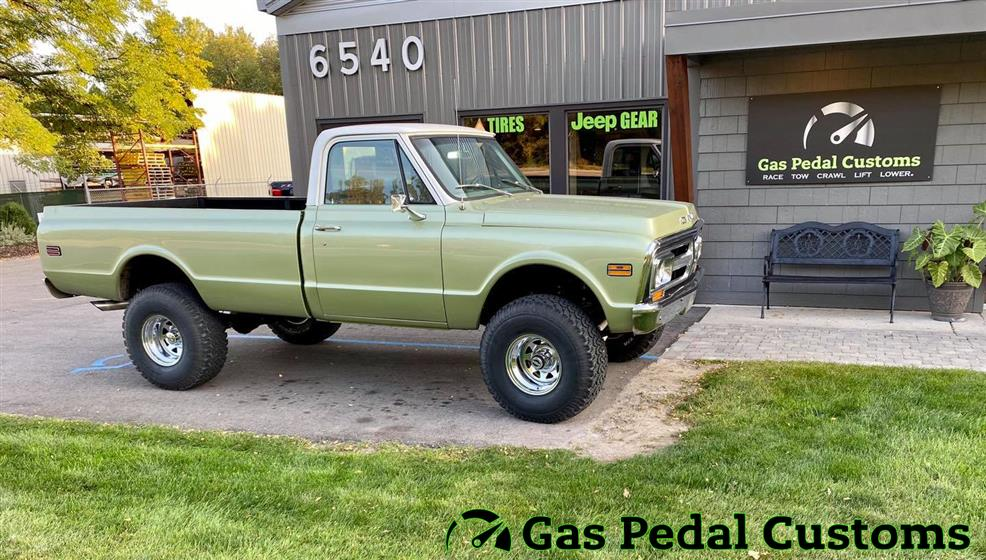 1971 GMC K1500 with 6.2L engine swap