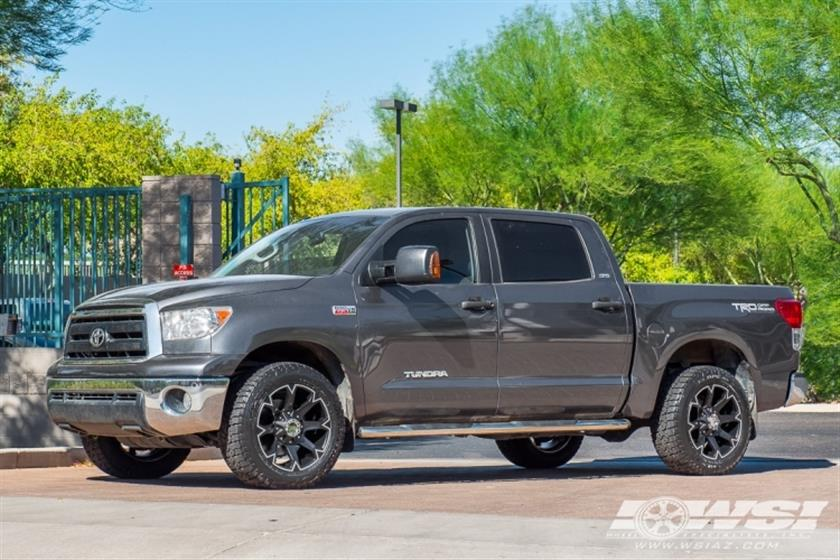 2011 Toyota Tundra with 20