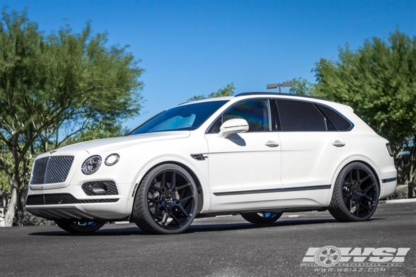 2017 Bentley Bentayga with 24