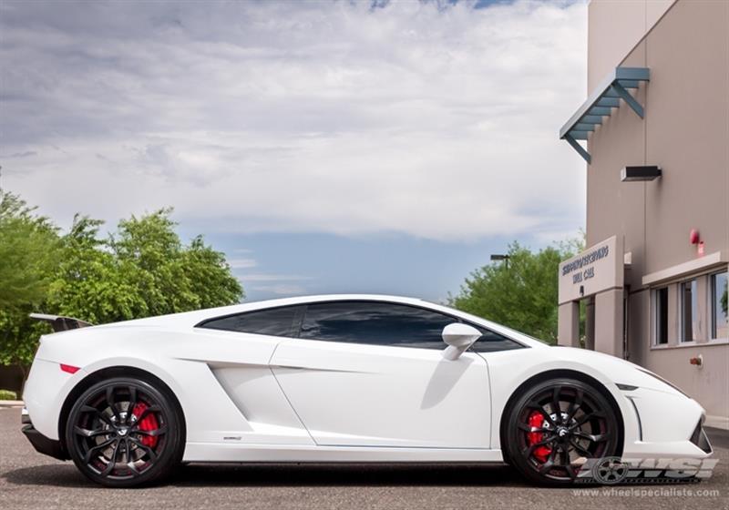 2013 Lamborghini Gallardo with 20