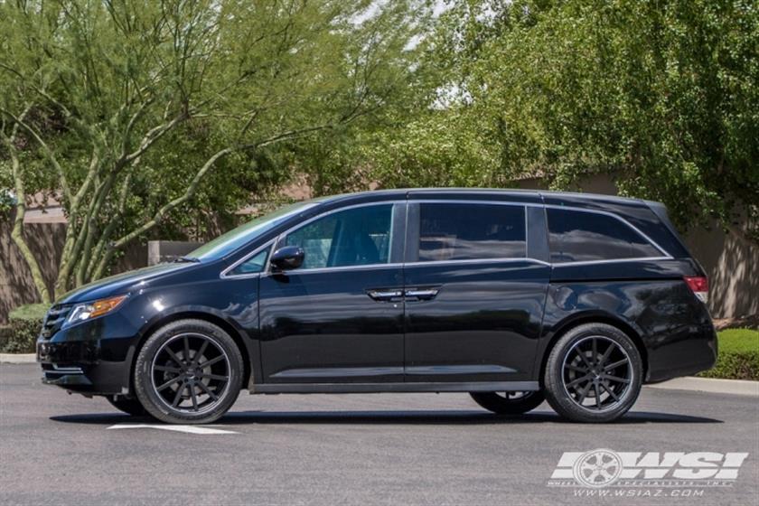 2016 Honda Odyssey with 20