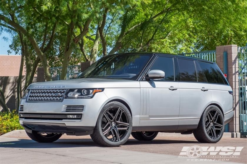 2017 Land Rover Range Rover on 22