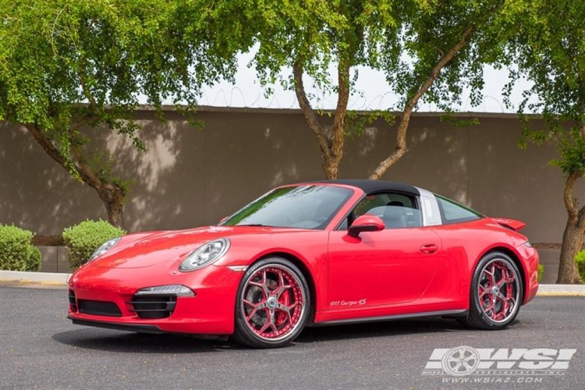 2017 Porsche 911 with 20