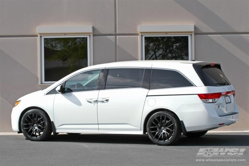 2014 Honda Odyssey with 20