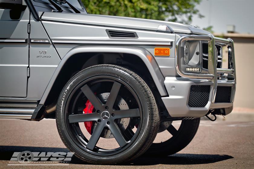 Mercedes Benz G63 w/ 24