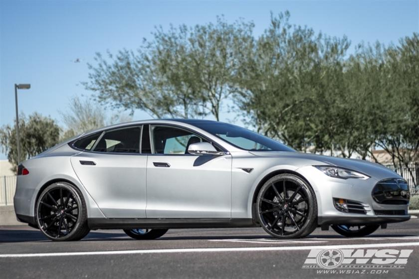 2016 Tesla Model S with 22