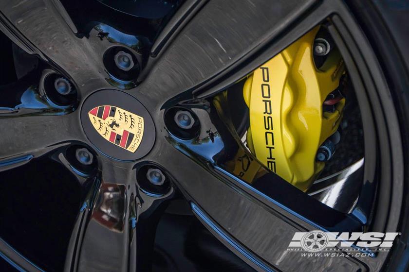2017 Porsche 911 with Custom Powdercoating Finish