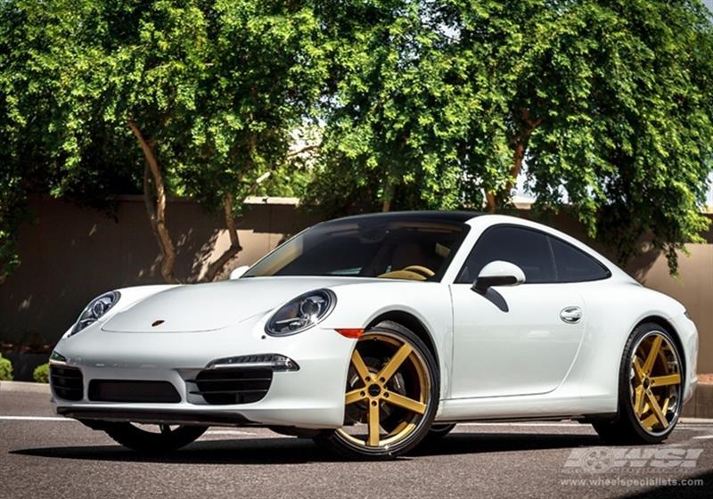 2013 Porsche 911 with 22