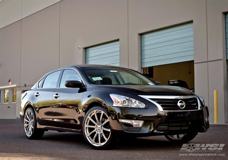 2013 Nissan Altima with 20
