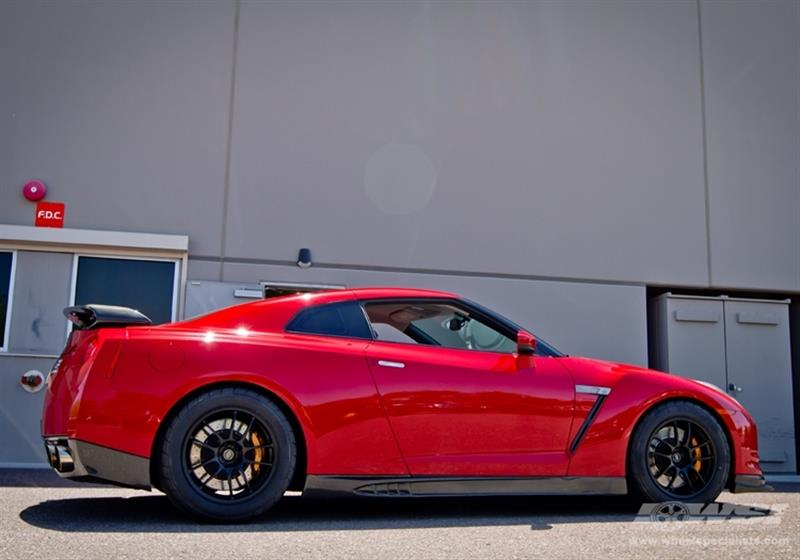 2012 Nissan GTR with 18