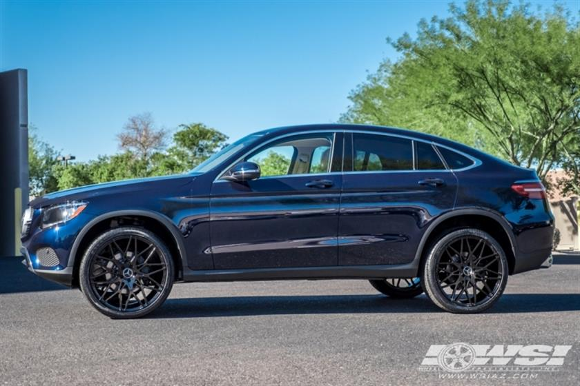 2017 Mercedes-Benz GLC-Class with 22