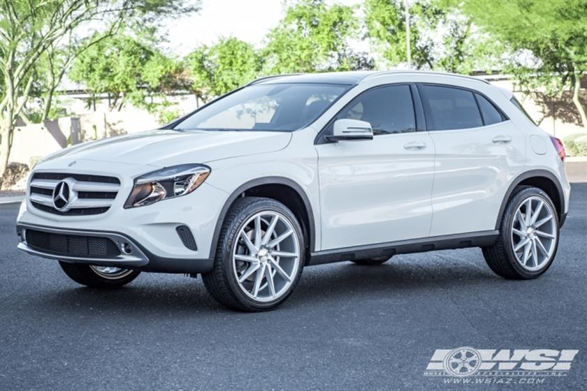 2017 Mercedes-Benz GLA-Class with 20