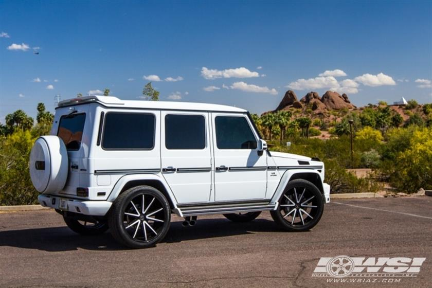 2015 Mercedes-Benz G-Class with 24