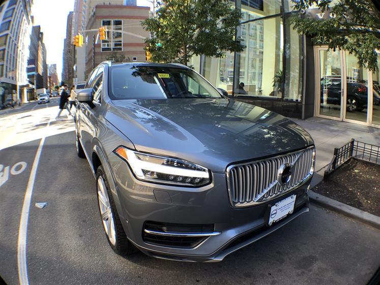 XC90 Inscription SUV - Volvo Cars Manhattan