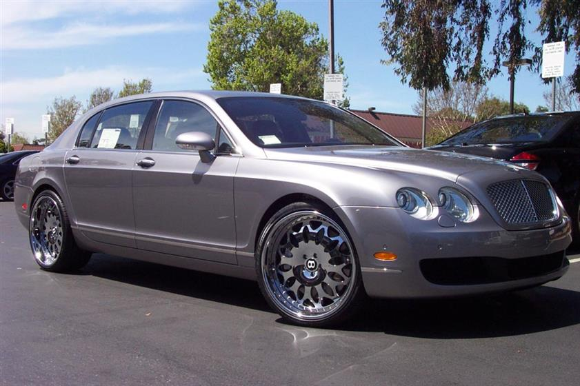 Bentley FlyingSpur with Forgiato Grano Wheels